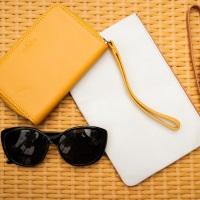 Shop purses